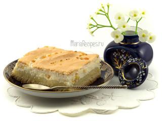 Пирог с творогом, апельсиновыми цукатами и взбитыми белками